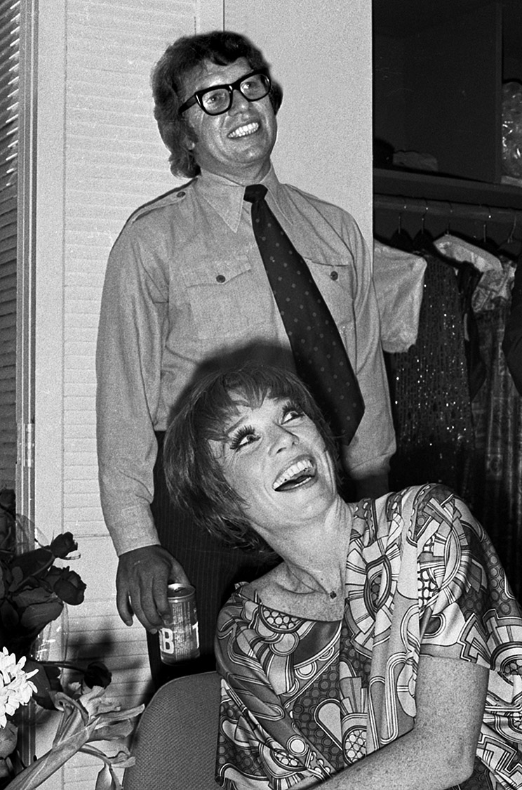 Pete Hamill and Shirley MacLaine, 1976 #2